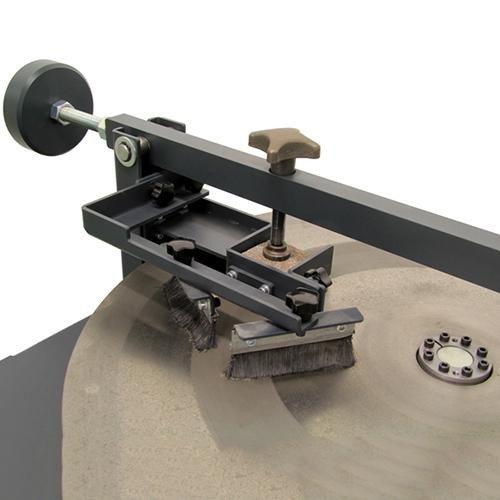 Machine d'abrasion Böhme EN 1338 | EN 1339 | EN 1340 | EN 14157 | EN 13892-3 | EN 13748 | DIN 52108
