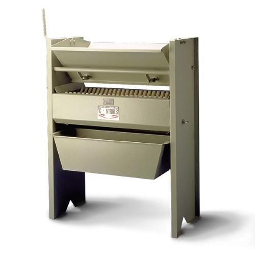 Large capacity sample splitter EN 933-3