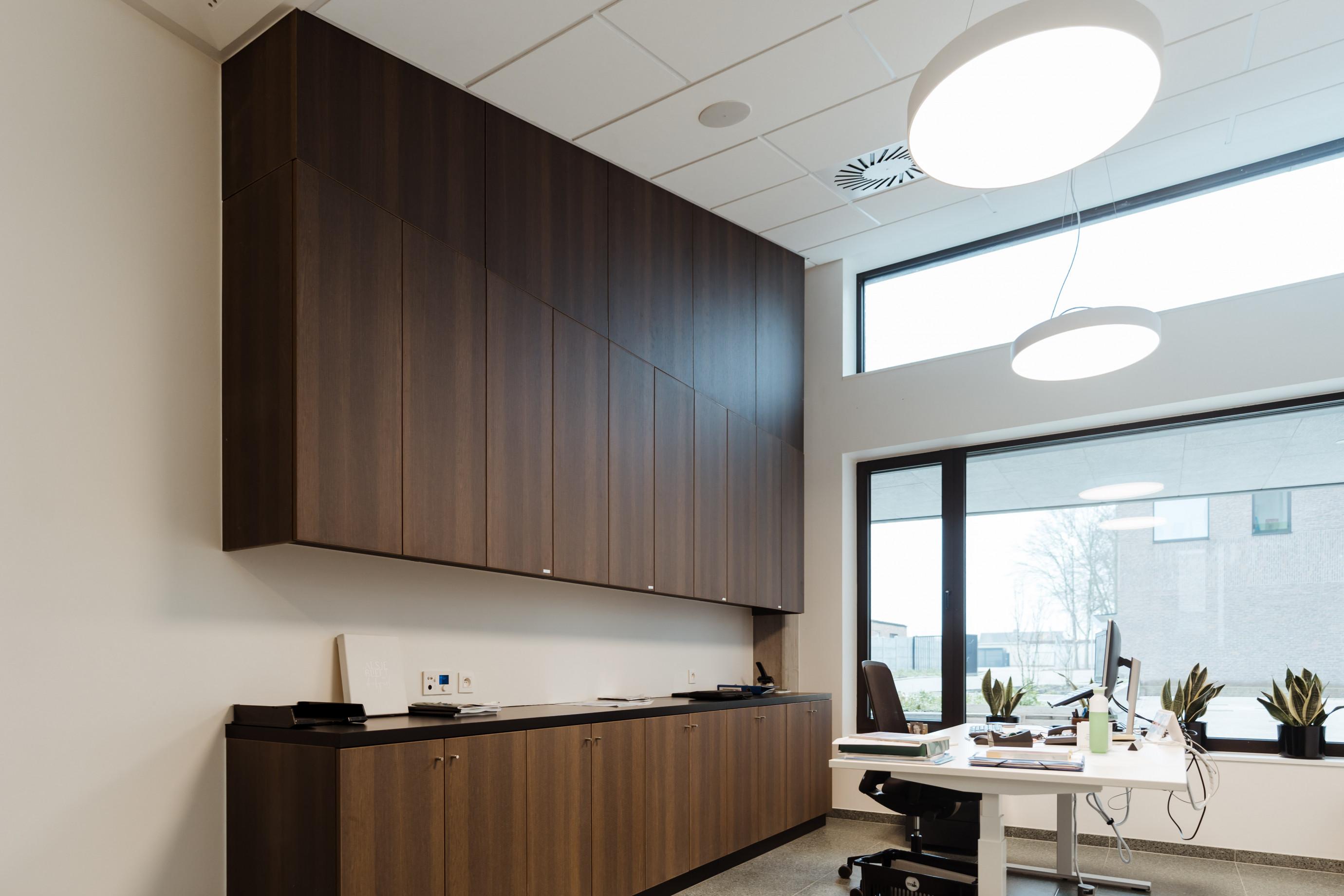 Acoustic cabinet
