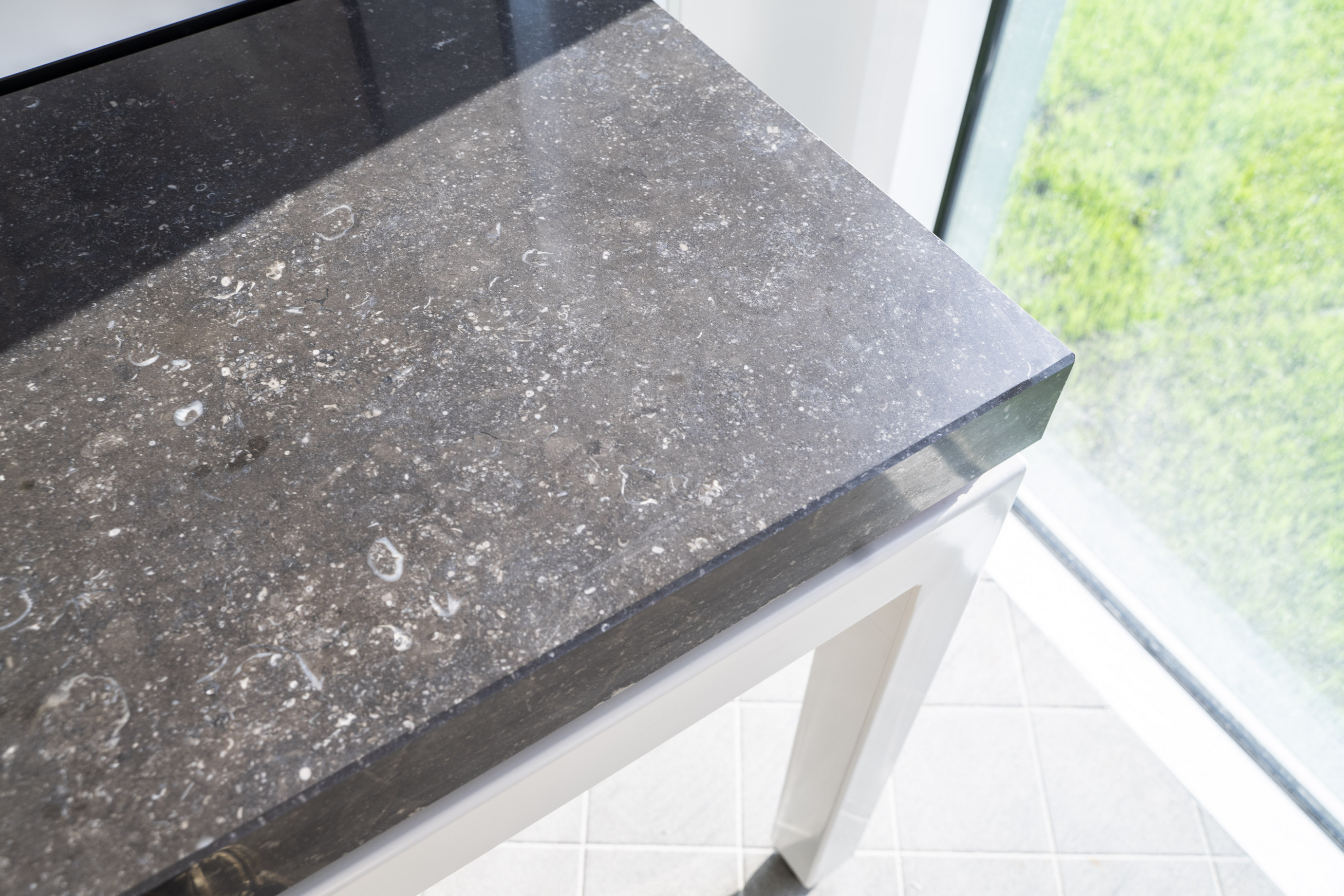Balance table with worktop in bluestone