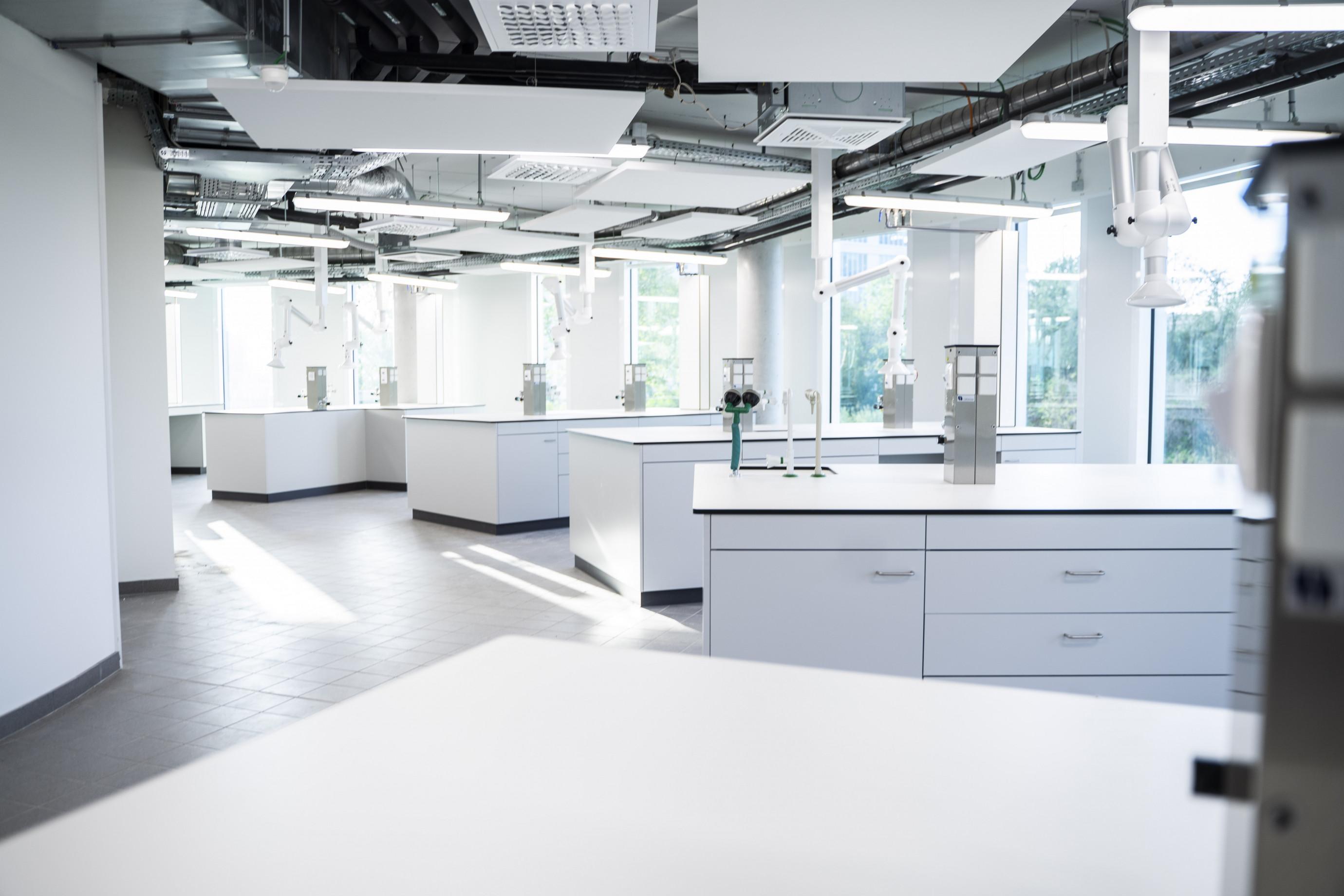 Arteco4_Laboratoriummeubilair.jpg