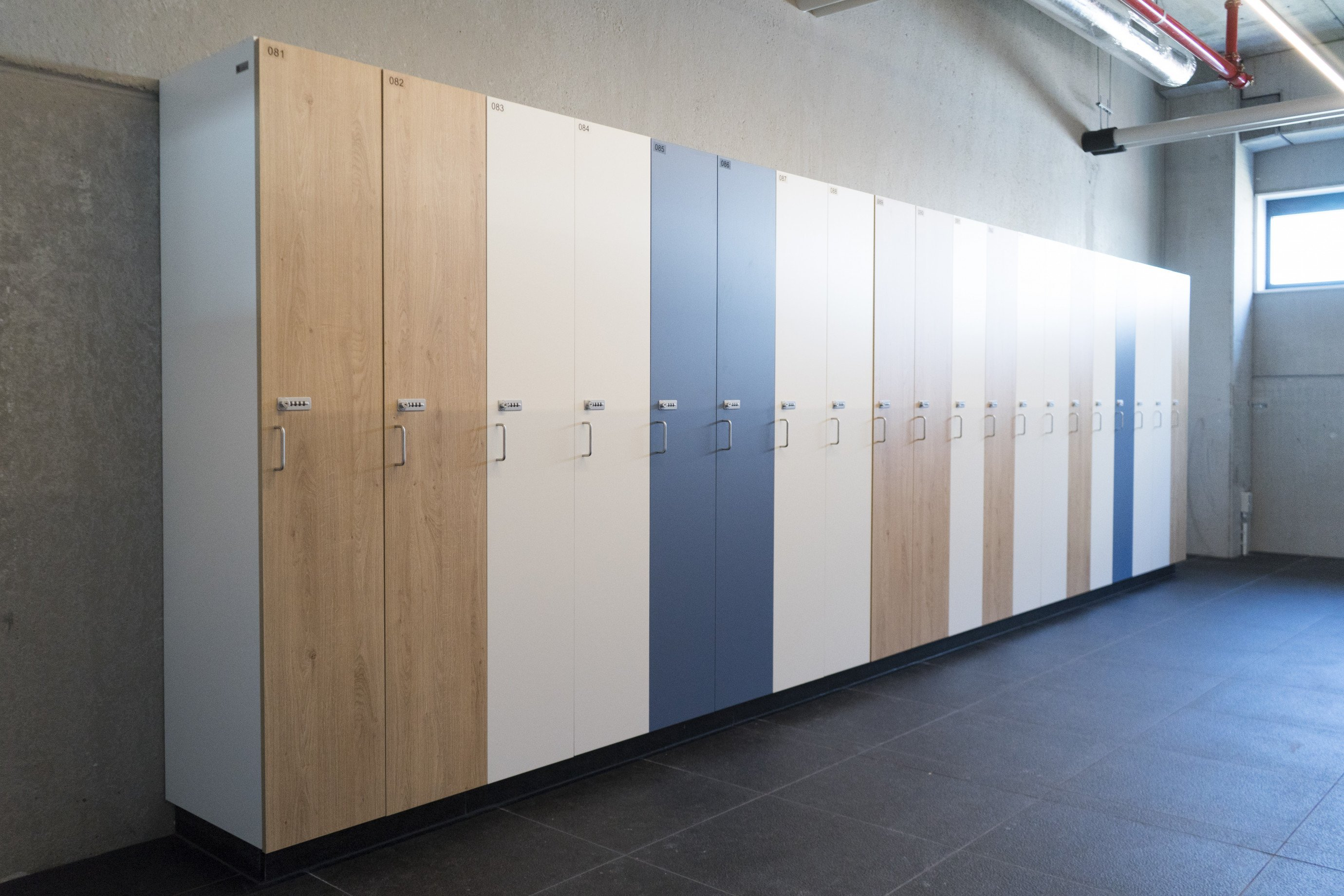 Lockers in melamine