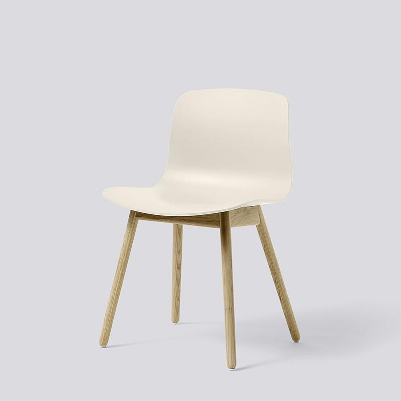 AAC12 Oak Matt Lacquer Base cream white kopie_HAY_Livingdesign.jpg
