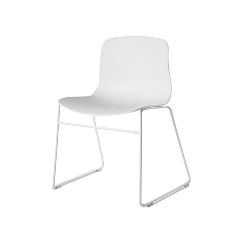 2_3_about_a_chair_aac08_hay.jpg