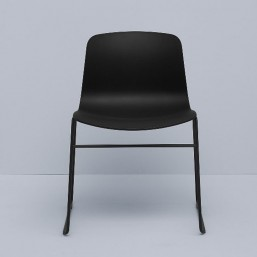 2_4_about_a_chair_aac08_hay.jpg