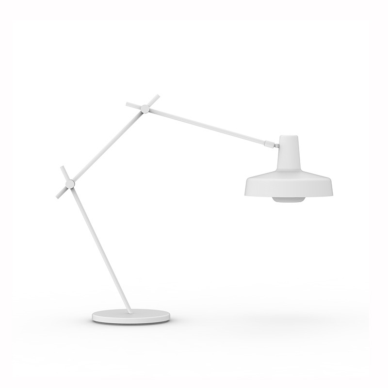 3_10_arigato_tafellamp_grupaproducts.jpg