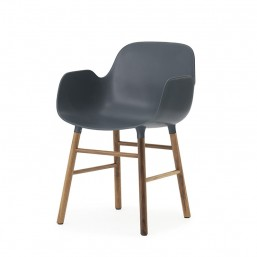 Z 602771_Form_Armchair_BlueWalnut_1-NormannCopenhagen-Livingdesign.jpg