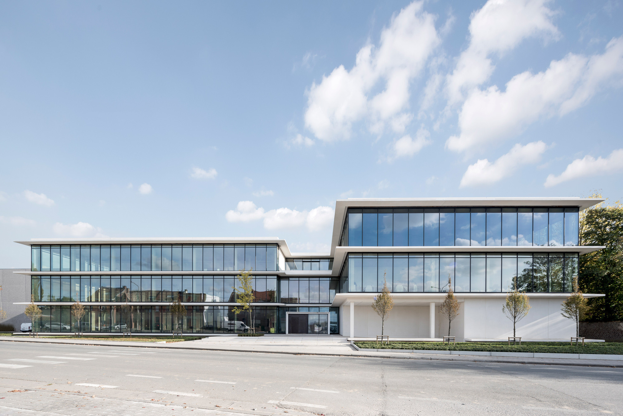 Kantoorgebouw3_Nieuwkerke_Claeys Architecten.jpg