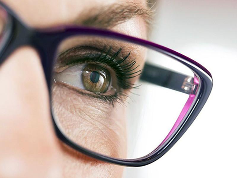 hoya-verbetert-uw-gezicht-naast-het-artikel[1].jpg
