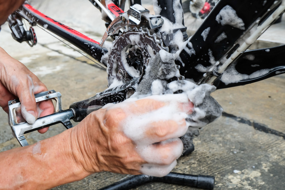 Handsofmechanicfixingabicycle.jpg
