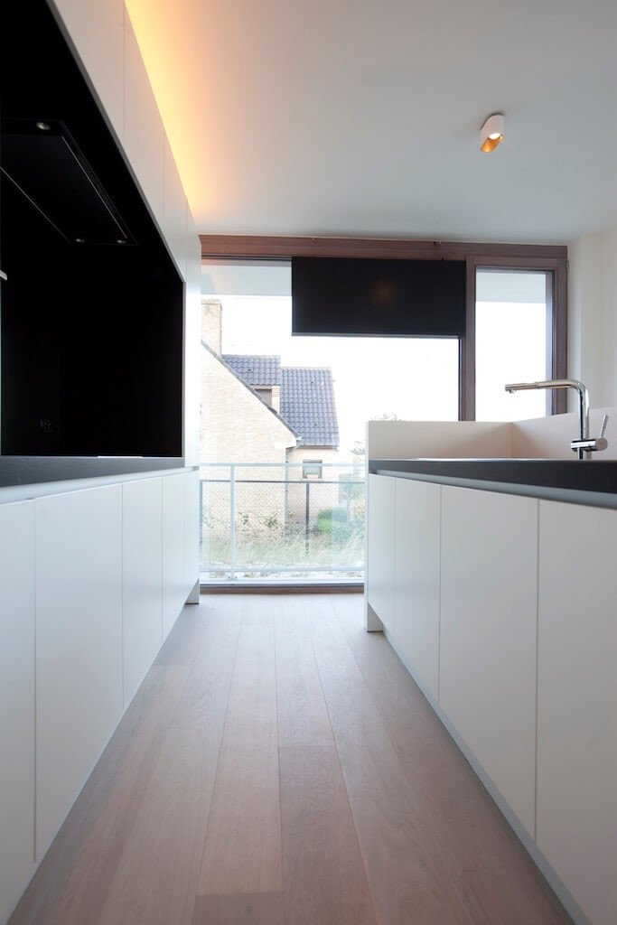 Rietveldprojects.be-Eames-appartement-design-architectuur-kust