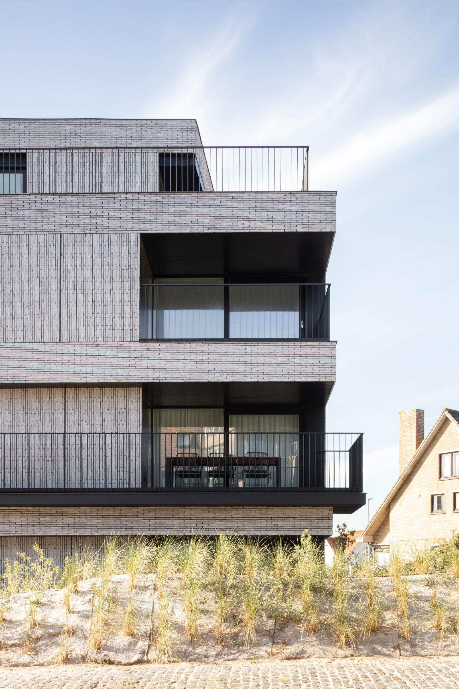 Pierre Paulin - Rietveldprojects - Sint-Idesbald - Tvdv1.jpg