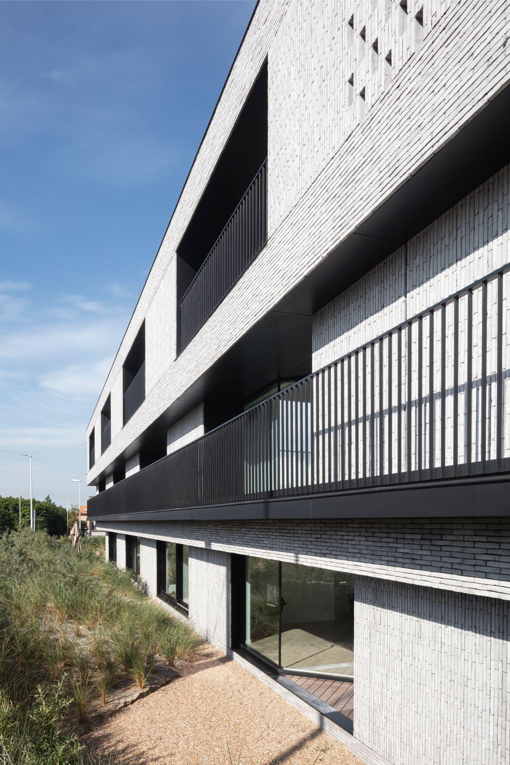 Pierre Paulin - Rietveldprojects - Sint-Idesbald - Tvdv6.jpg