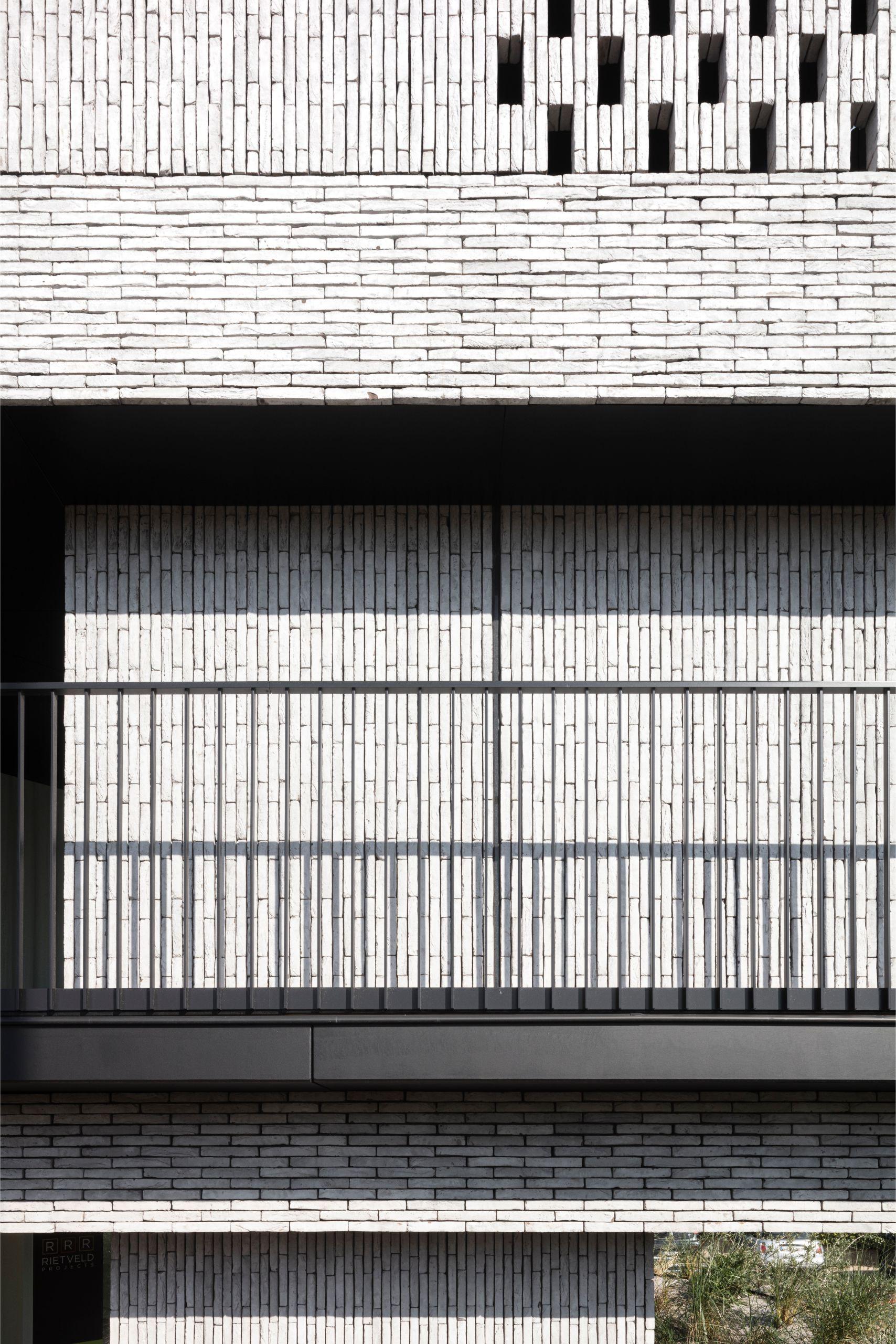 Pierre Paulin - Rietveldprojects - Sint-Idesbald - Tvdv7.jpg