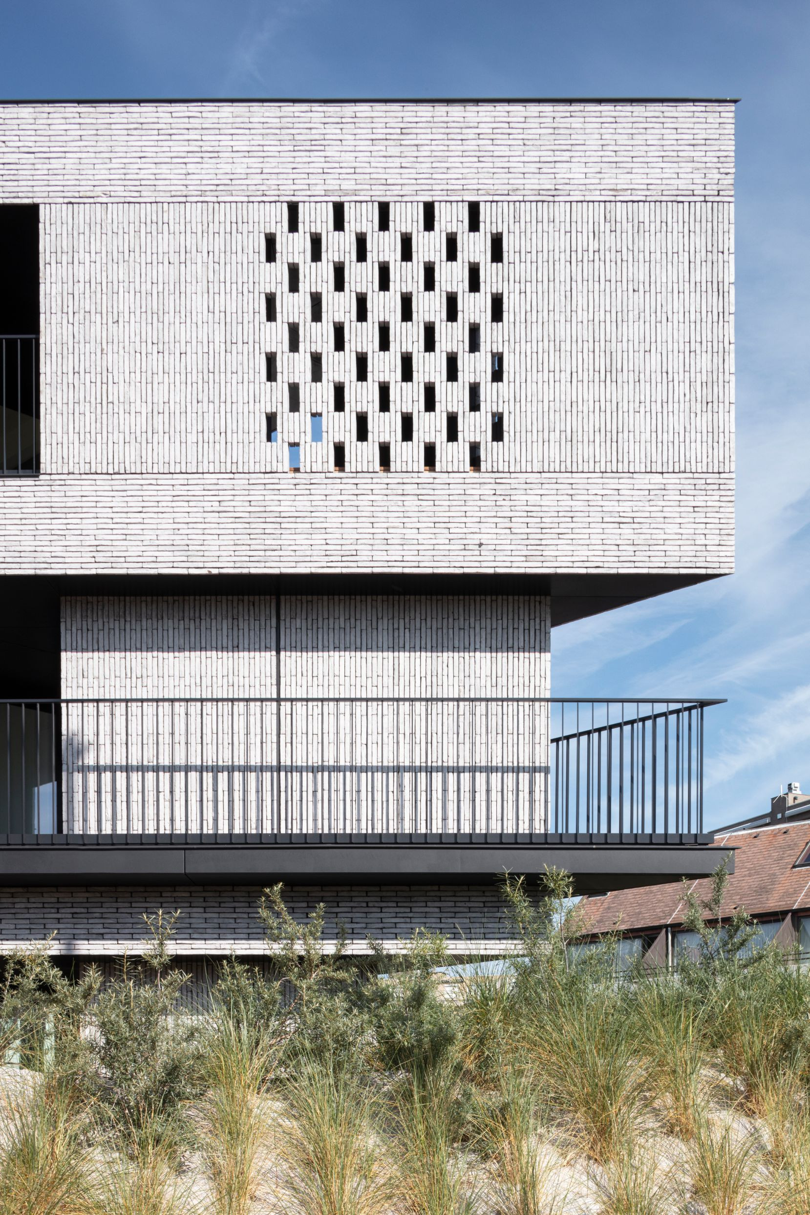 Pierre Paulin - Rietveldprojects - Sint-Idesbald - Tvdv9.jpg