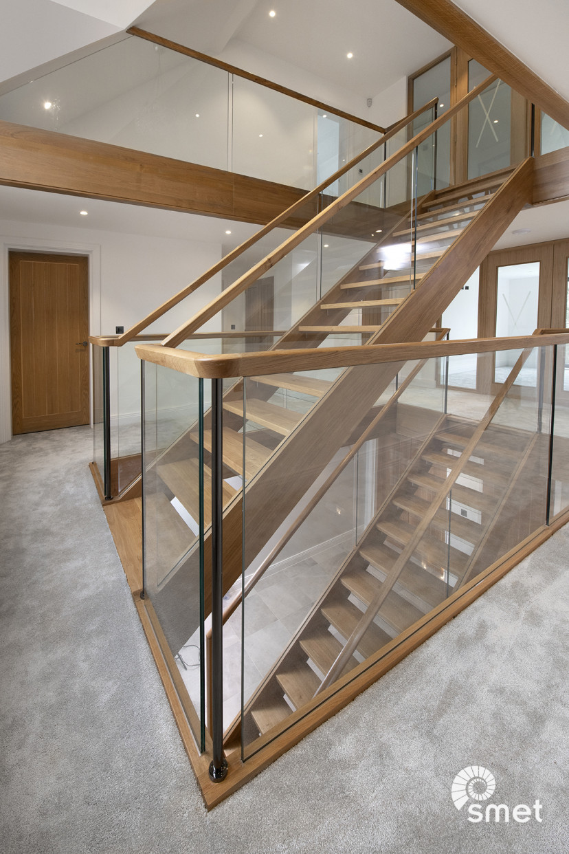 SmetStaircases-Glass-East-Grinstead-A-SmetUK(4).jpg