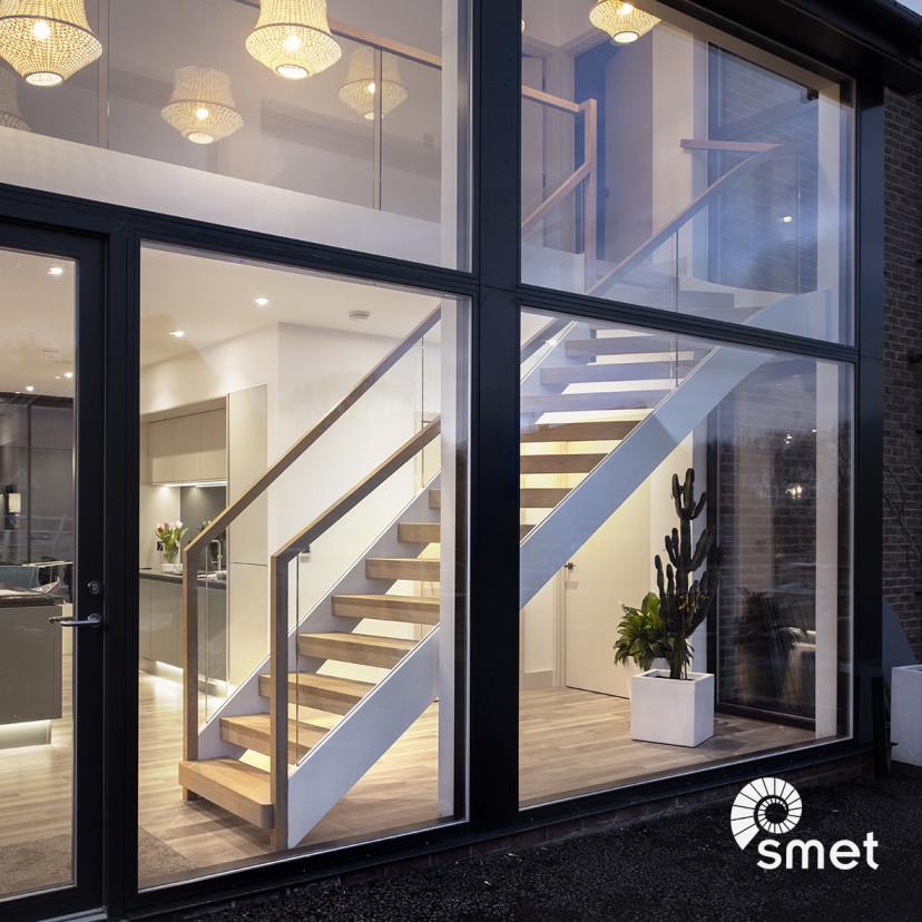 SmetStaircases-Glass-GraftyGreen-A-SmetUK(4).jpg