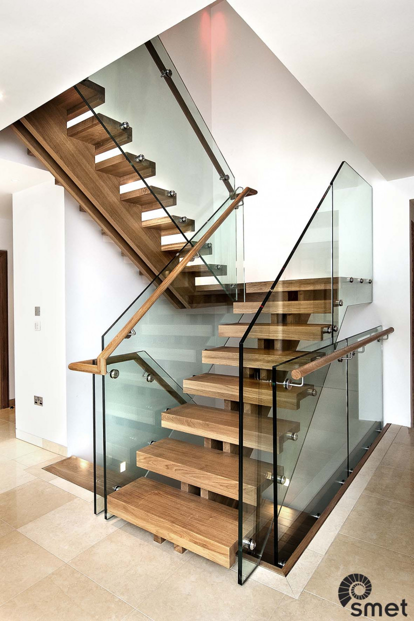 SmetStaircases-Glass-Churt-Surrey-A-SmetUK(1).jpg