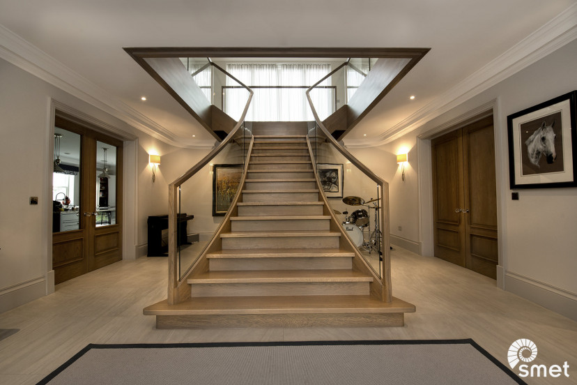 SmetStaircases-Glass-Finchampstead-A-SmetUK(1).jpg