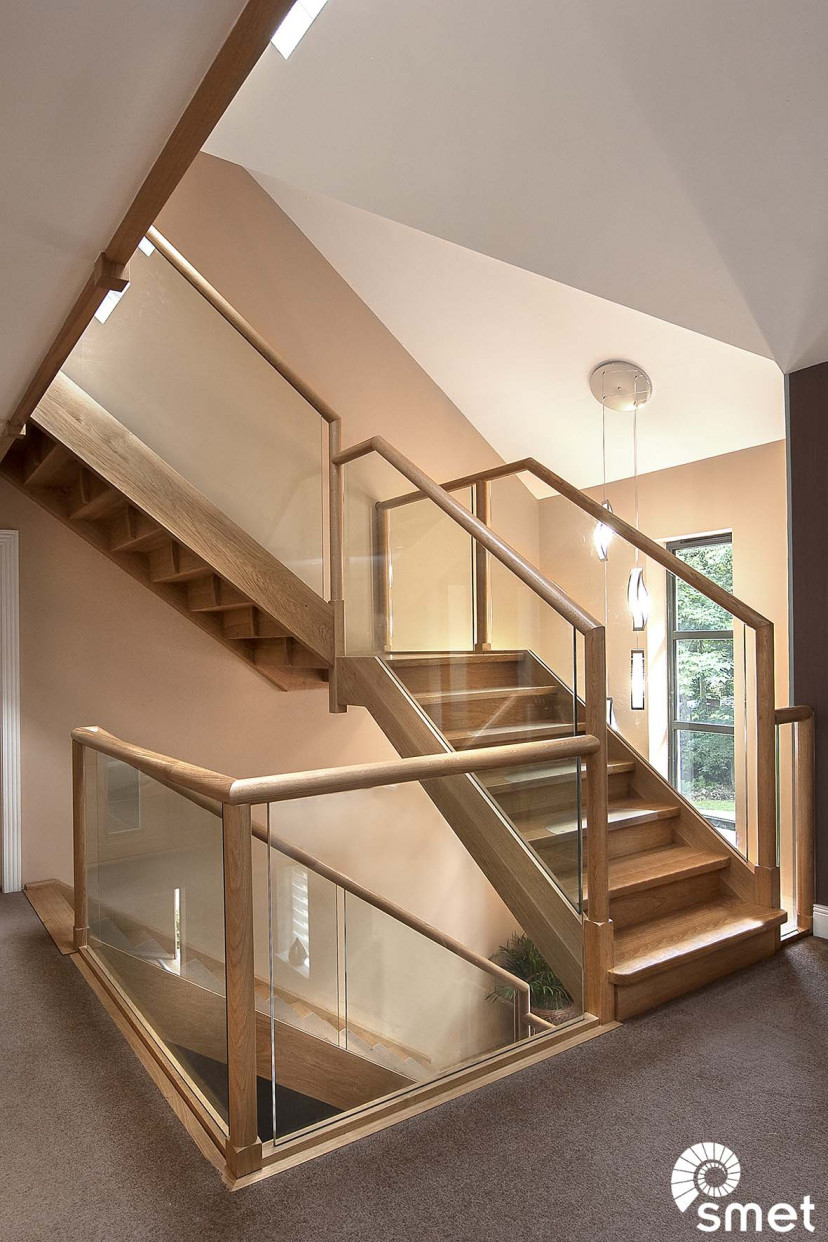 SmetStaircases-Glass-Lightwater-A-SmetUK(1).jpg