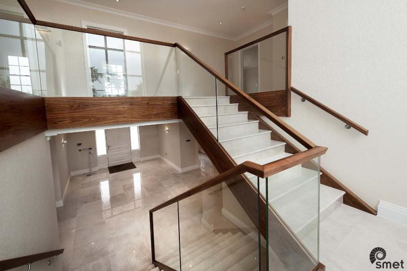 SmetStaircases-Glass-Marble-Kingswood-C-SmetUK(1).jpg
