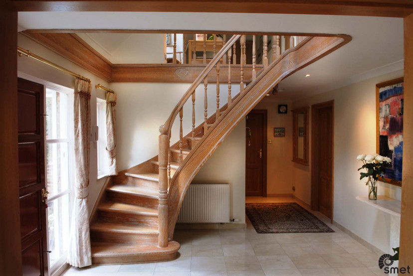 SmetStaircases-Wood-Limpsfield-Surrey-A-SmetUK(1).jpg