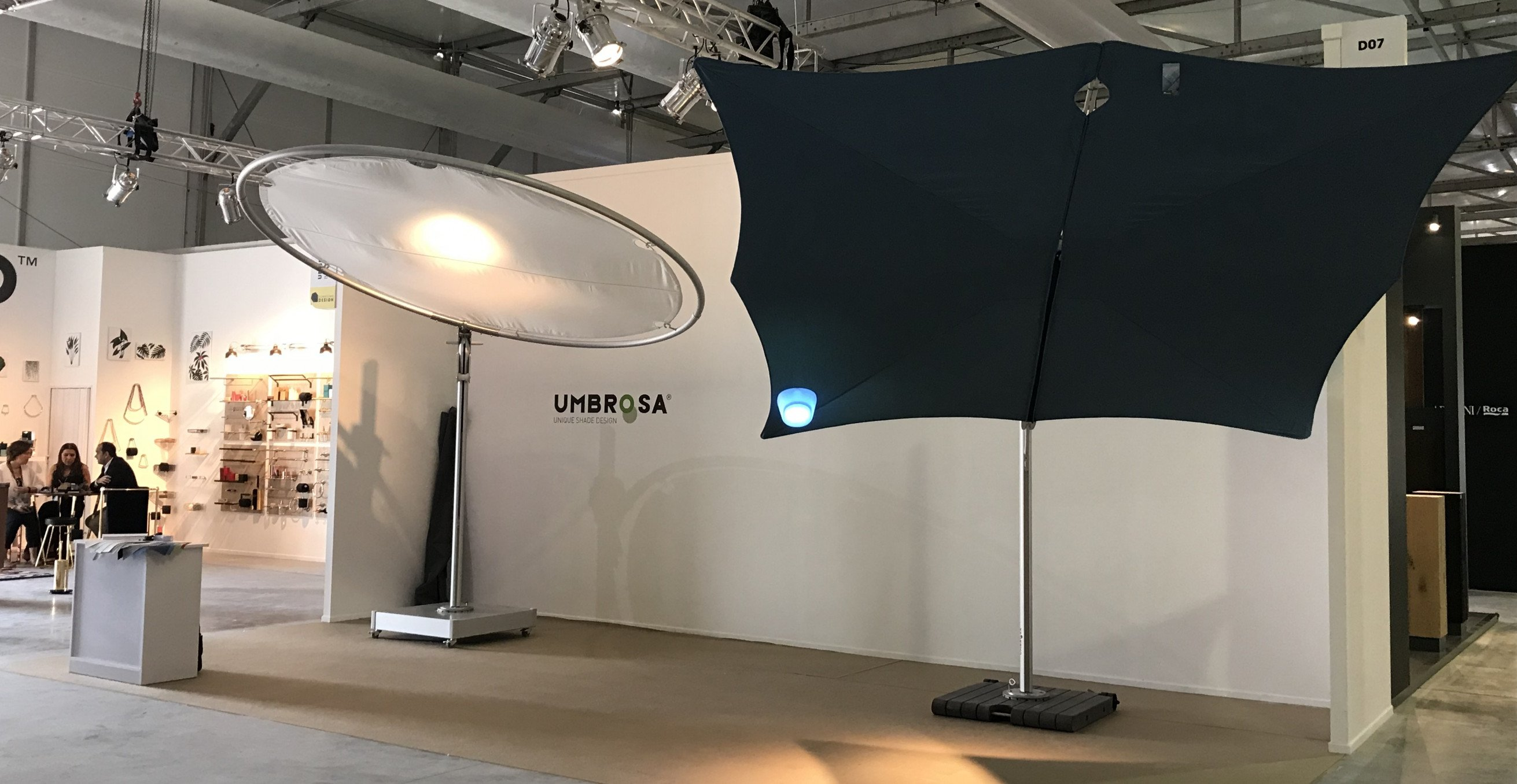 Umbrosa demonstrates the unique design umbrellas Spectra and Eclipsum at the design fair in the middle east.