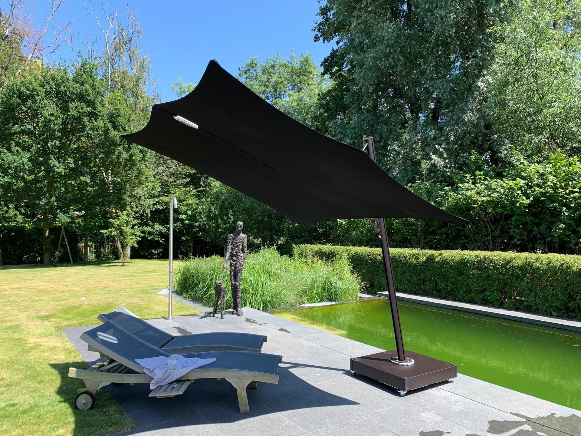 Spectra cantilever umbrella Multibat13.jpg