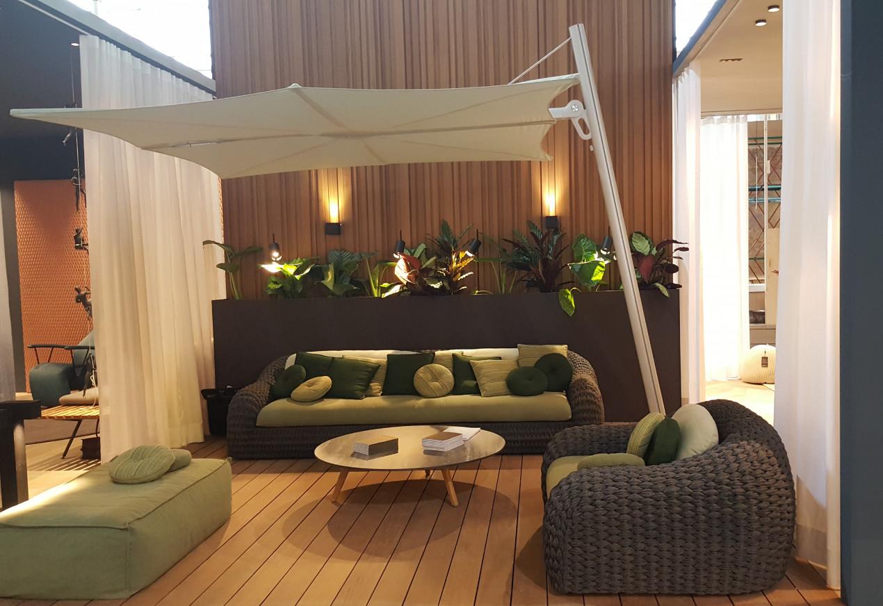 Spectra parasol in Mint Maison et Objet HR.jpg