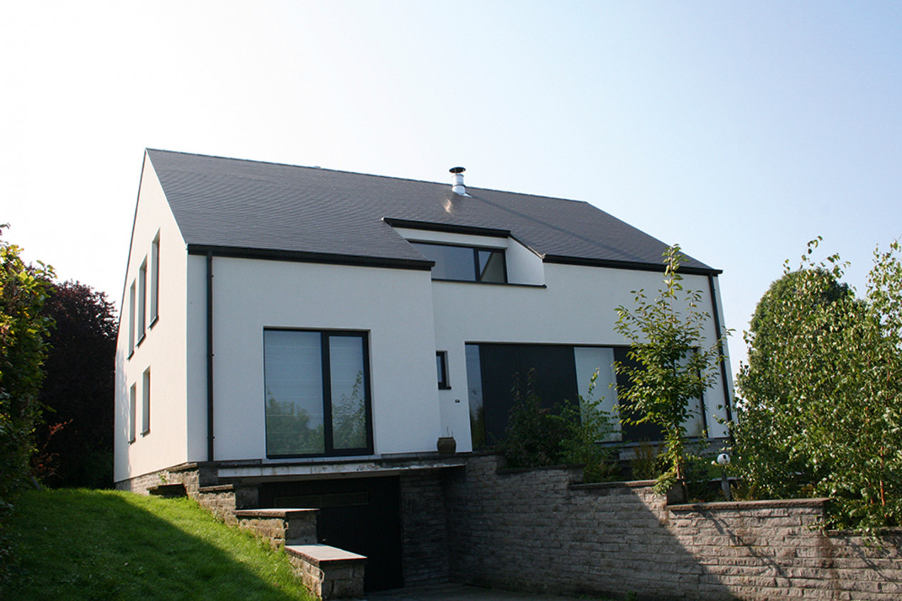 Un système de façade fermé, esthétique ET isolant ! cementering-renovatie-witte-silicoonhars-sierpleister.jpg