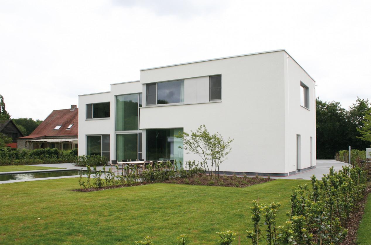 Un système de façade fermé, esthétique ET isolant ! kunsthars-sierpleister.jpg
