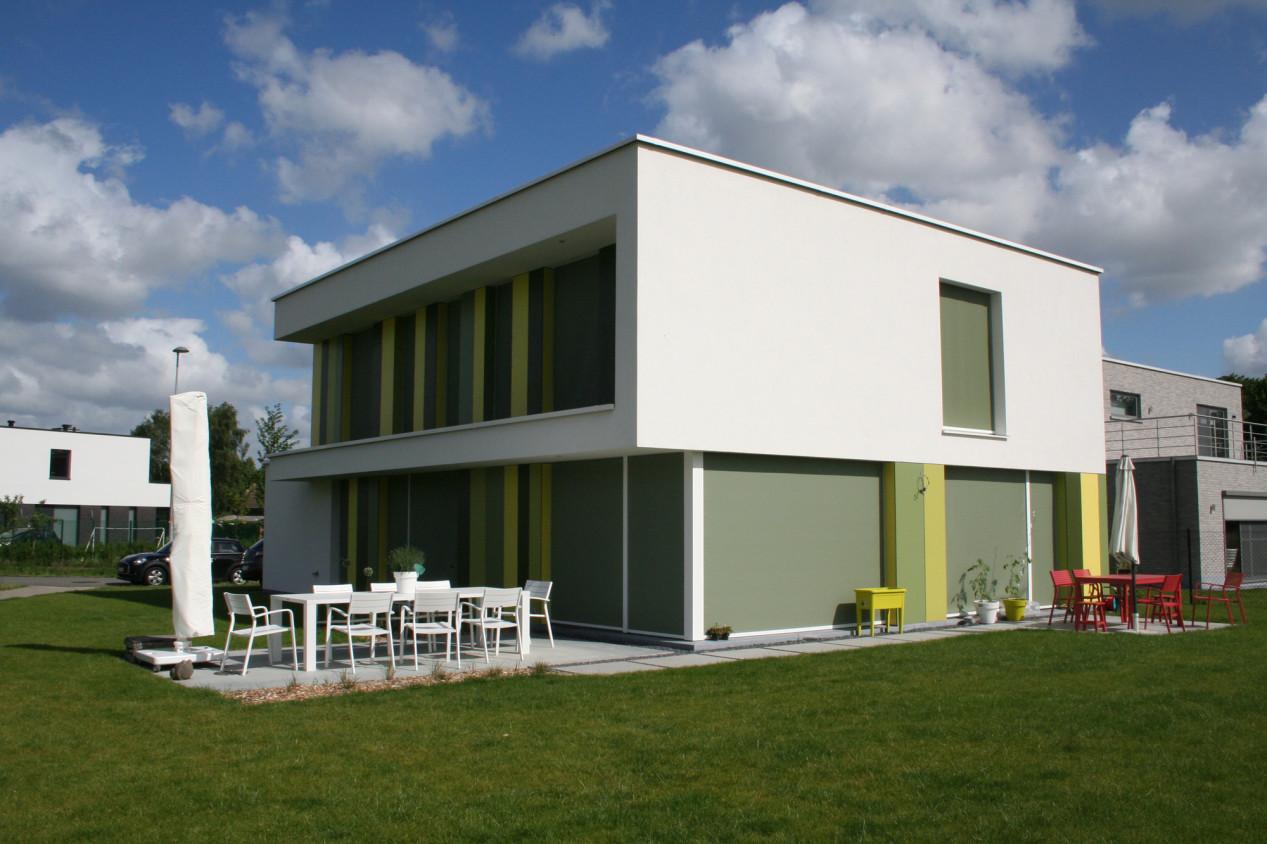 Modern huis met witte crepi - 01.jpg
