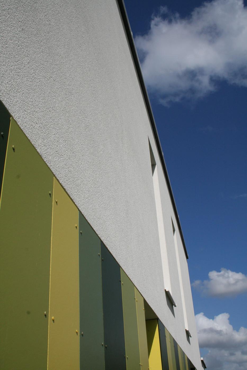 Modern huis met witte crepi - 02.jpg